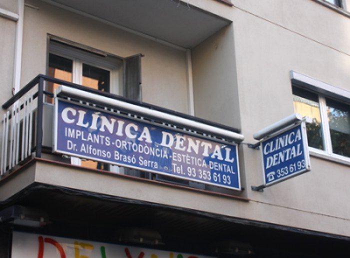 Clínica dental en Nou Barris
